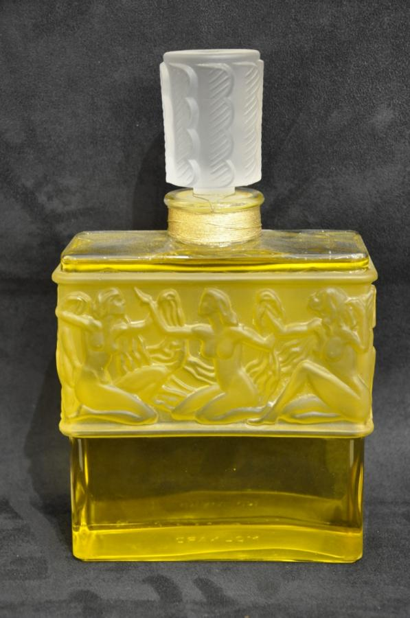 Lalique Giant Bottle For Molinard , More Informations...