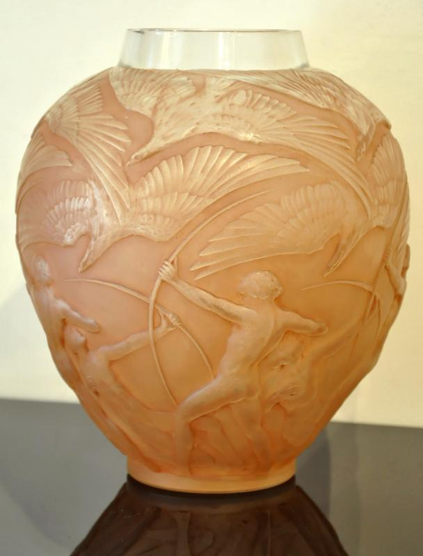 René Lalique Vase Archers Patina Sepia Art Deco 1921 , More Informations...