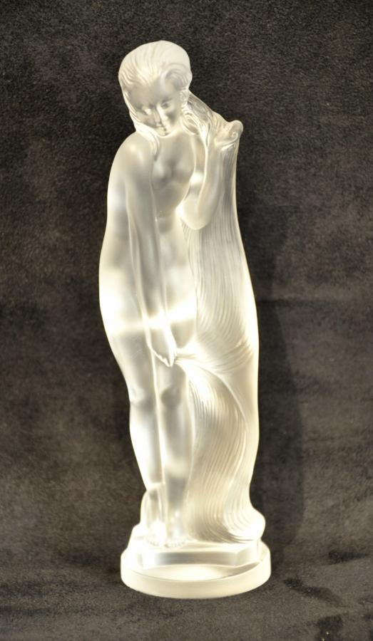 Sèvres Crystal Statuette Woman Draped Circa 1980, More Informations...