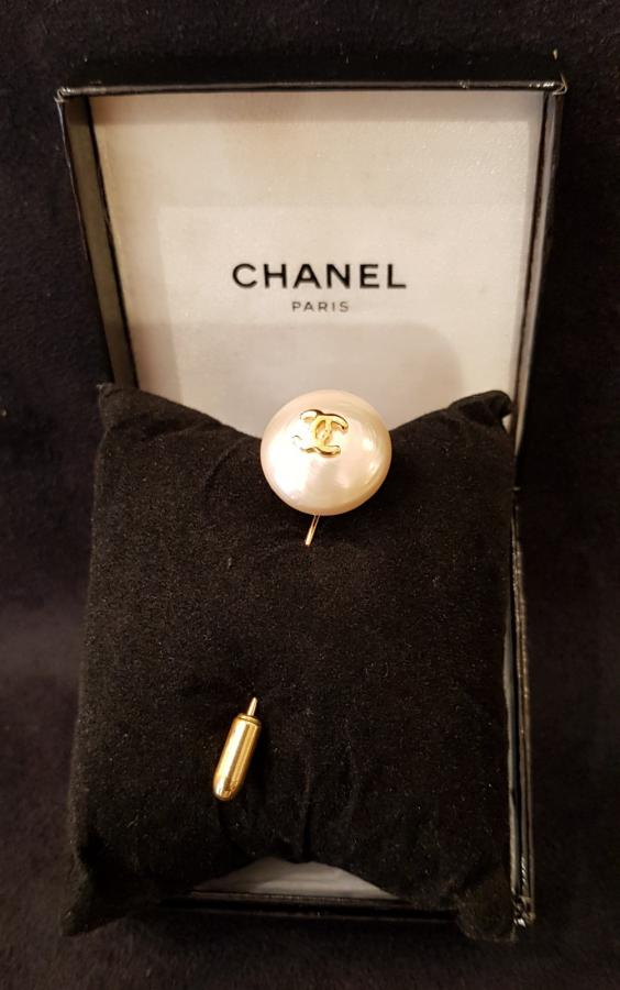 CHANEL PARIS BROCHE EPINGLE , Plus d'infos...