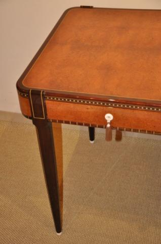 TABLE DESK ART DECO  in AMBOYNA , More Informations...