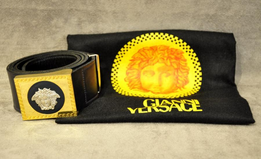 Gianni Versace Medusa woman belt black leather , More Informations...