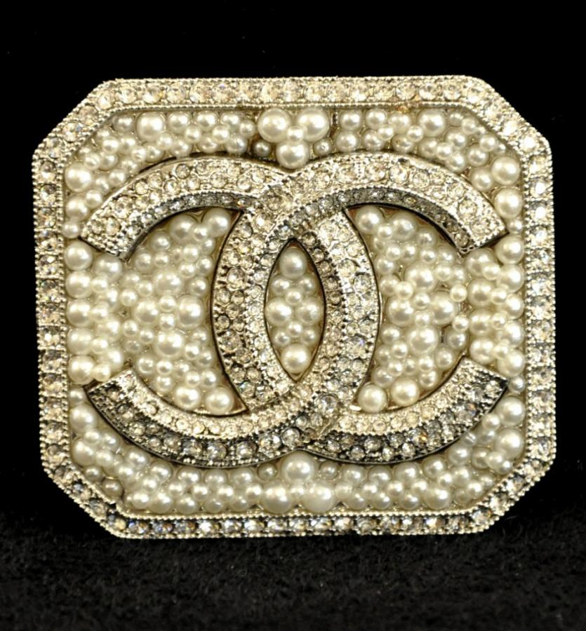 Chanel Brooch , More Informations...