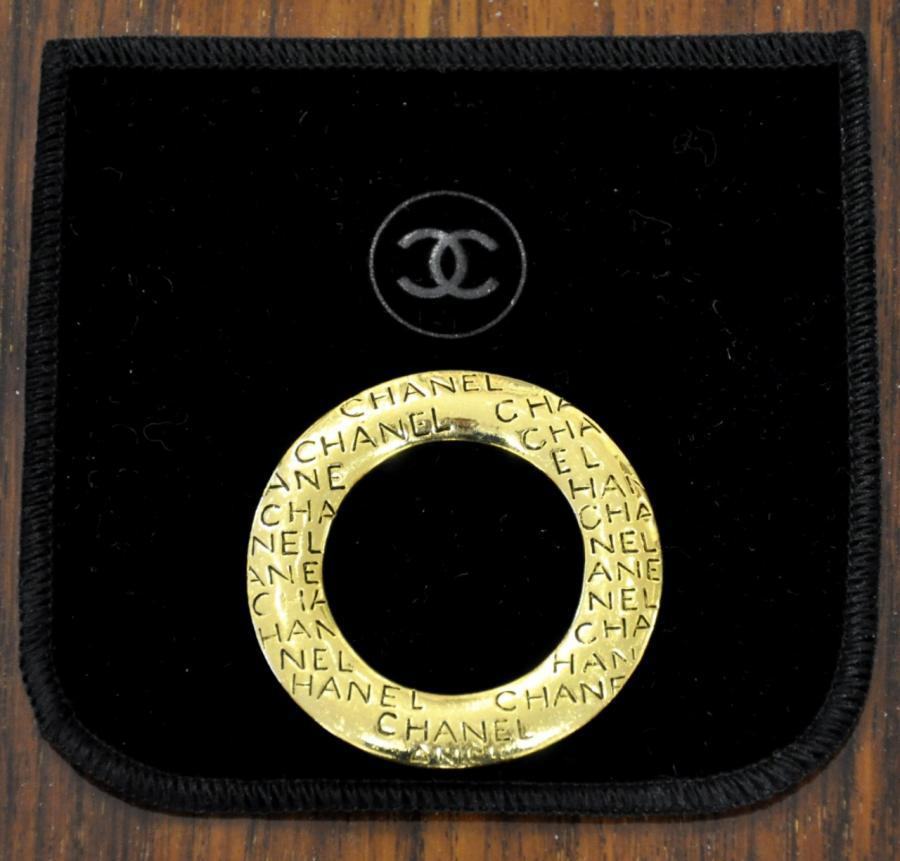CHANEL Scarf Ring gilded metal , More Informations...