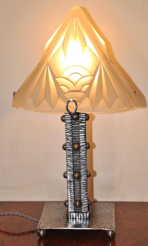 DEGUE LAMP WROUGHT IRON  & GLASS ART DECO 1930, More Informations...