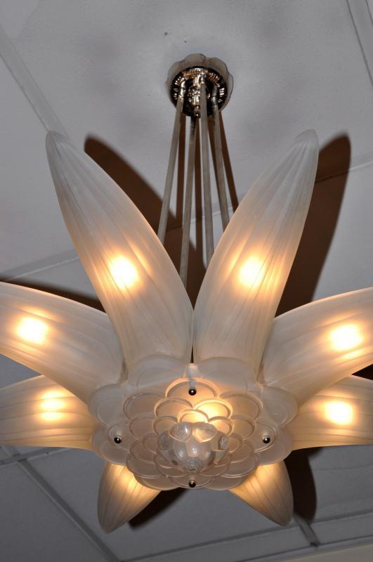 genet et michon chandelier bronze and glass art deco 1930. Black Bedroom Furniture Sets. Home Design Ideas