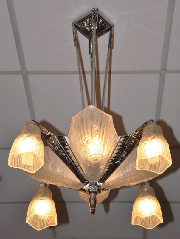 j robert chandelier art deco 1930. Black Bedroom Furniture Sets. Home Design Ideas