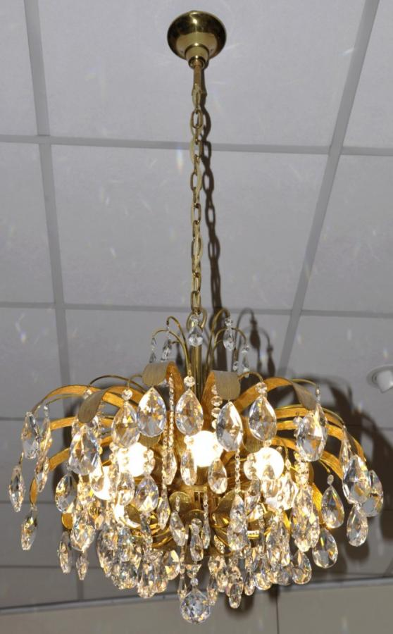 MAISON Baguès  CHANDELIER Golden brass & Crystal Pampilles Circa 1970, More Informations...