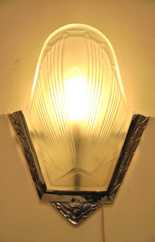 VERRERIES DES HANOTS 4 WALL SCONCES ART DECO 1930 GLASS & SILVERED BRONZE  , More Informations...