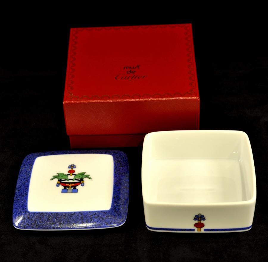 Cartier The Must Boite Bijoux Porcelaine, Plus d'infos...