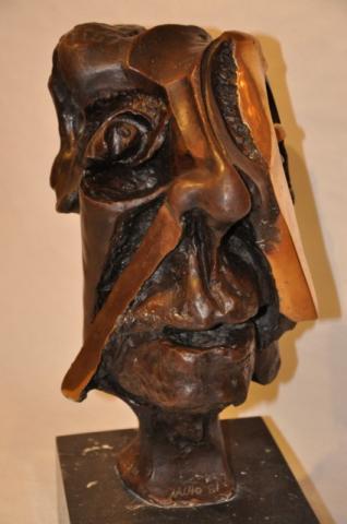 NACHO sculpture  hommage à PICASSO , Plus d'infos...