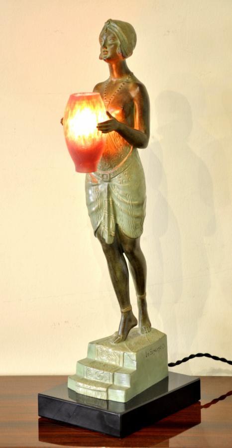 Pierre Le Faguays & Max Le Verrier Sculpture Lampe Esclave à l'Urne Art Déco 1930, Plus d'infos...