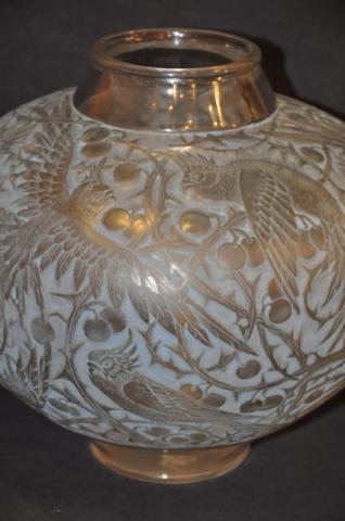 LALIQUE vase ARAS patiné bleu 1924, Plus d'infos...